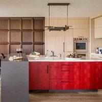 Сочетание серого и красного цветов в интерьере кухни