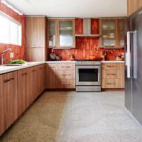 Ламинированные фасады кухонной мебели с отделкой под дерево