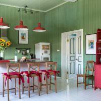 Зеленые стены на кухне в стиле прованс