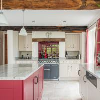 Деревянные полки для кухонной посуды