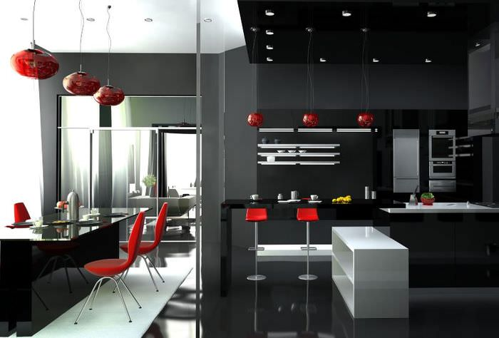 Красные подвесные светильники на черной кухне