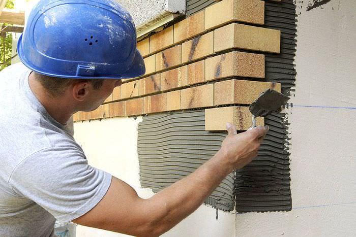 Монтаж клинкерной плитки на фасаде дома
