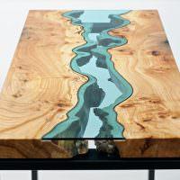 Красивый журнальный столик из дерева и стекла