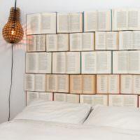 Изголовье кровати из старых книг