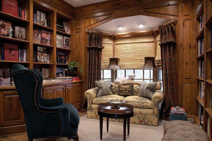 Место для чтения в энкере гостиной