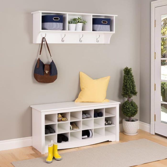 Белая тумба с мелкими отделениями для хранения обуви