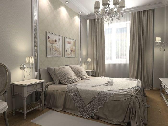 Двухспальная кровать в супружеской спальне