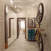 Велосипед на стене прихожей в стиле лофт
