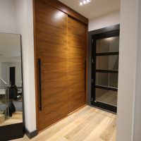 Дверцы встроенного шкафа из листов ДСП