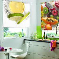 Украшение кухни шторами с фотопечатью