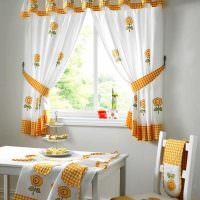 Декор кухни красивым текстилем