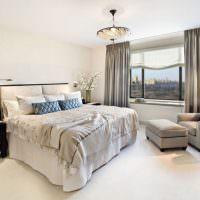 Освещение в спальне с римскими шторами