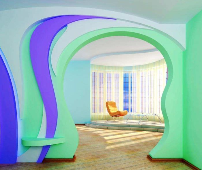 Разноцветная асимметричная арка из гипсокартонна