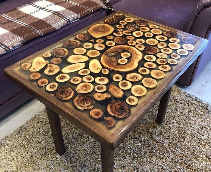 Креативная столешница из спилов дерева и эпоксидной смолы