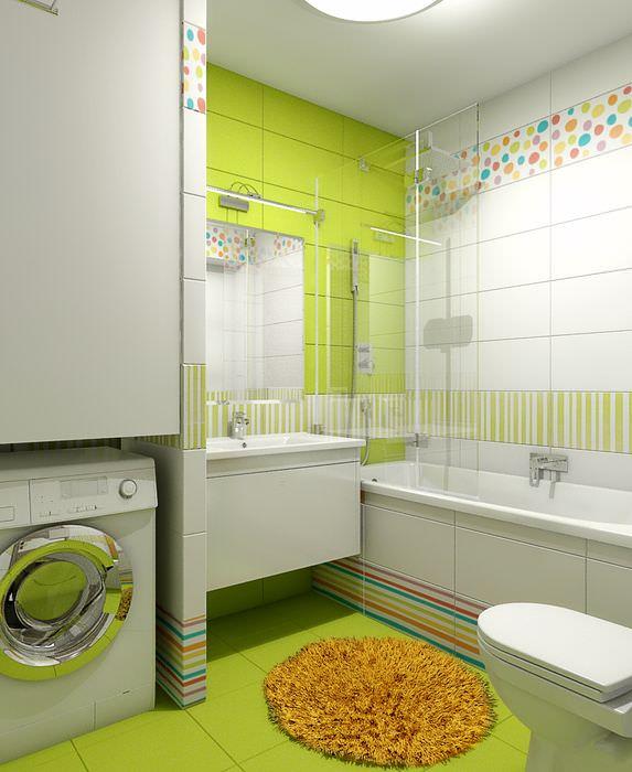 Керамическая плитка салатового оттенка на стене ванной