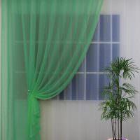 Воздушная тюль зеленоватой окраски