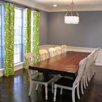 Большой обеденный стол из натуральной древесины