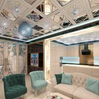 Модульный потолок с зеркальными вставками