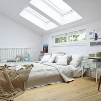 Кроватка для новорожденного в спальне родителей