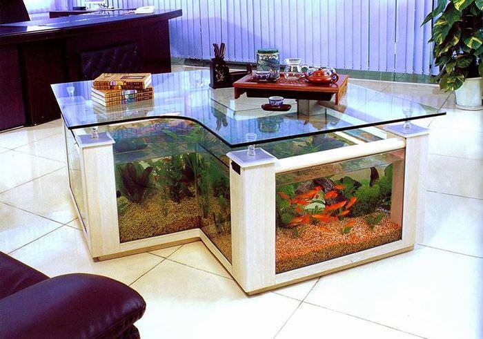 Журнальный столик с встроенным аквариумом