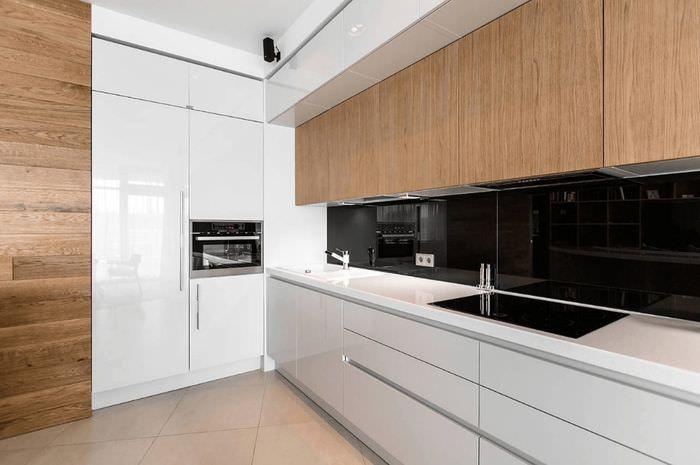 Кухонный гарнитур с комбинированными фасадами