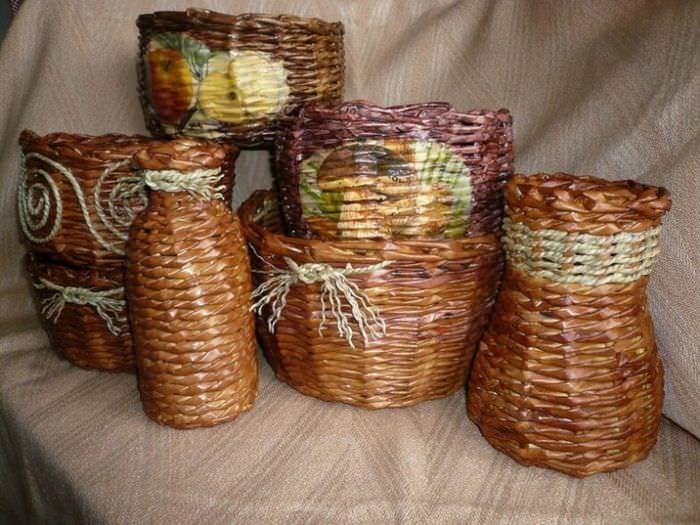 Декор банок бумажными трубочками