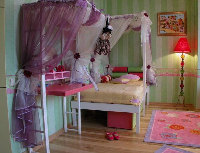 Декорирование мебели с помощью полупрозрачной ткани