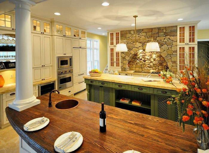 Песчаник в интерьер современной кухни