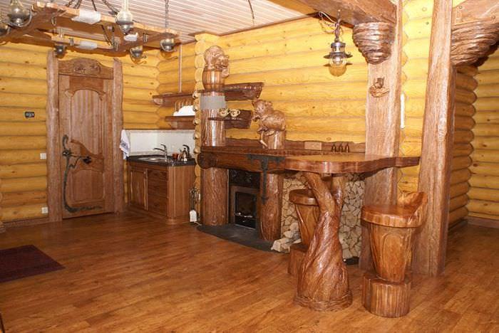 Деревянная мебель в предбаннике русской бани