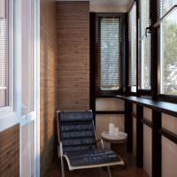 Отделка балкона деревянными панелями