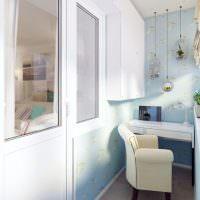 Оклейка стен балкона виниловыми обоями