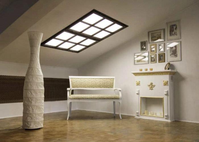 Имитация окна с подсветкой в мансарде частного дома