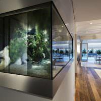 Дизайн гостиной с угловым аквариумом
