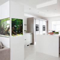 Перегородка с встроенным аквариумом