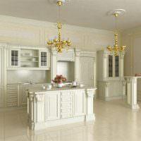 Люстры с позолотой в классической кухне
