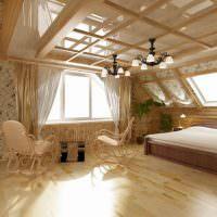 Спальня в мансарде с глянцевым потолком