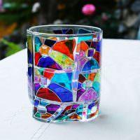 Стеклянный стакан с витражным рисунком