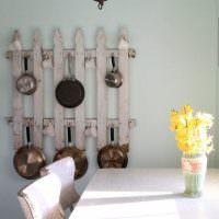 Заборчик из штакетника для кухонной утвари