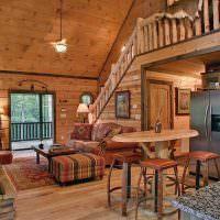 Высокий деревянный столик с барными стульями