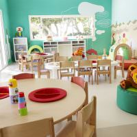 Удобный стол для детского творчества