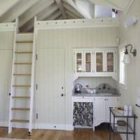Небольшая кухня в летнем домике