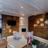 Современная гостиная в деревянном доме