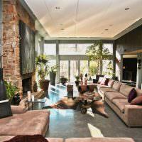 Дизайн вытянутой гостиной с одним окном