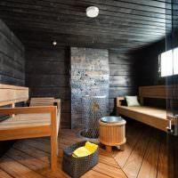 Небольшая баня в темных тонах