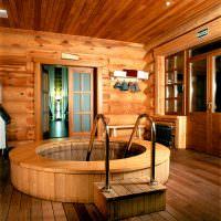 Деревянная купель в частной бане