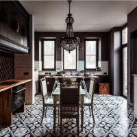 Керамическая плитка на полу кухни-столовой