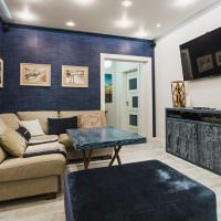 Синий цвет в оформлении гостиной