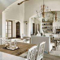 Кухня-гостиная в светлых оттенках