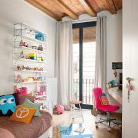 детская комната с окном до пола