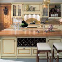 Кухонный остров с местом для хранения вин